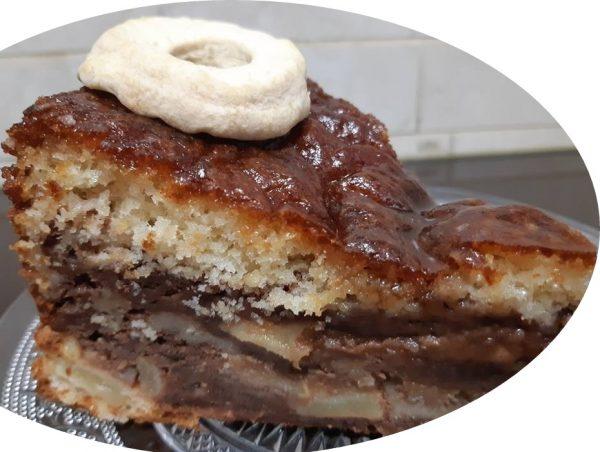 עוגת שיש,קינמון,תפוח ותמר בזיגוג מייפל