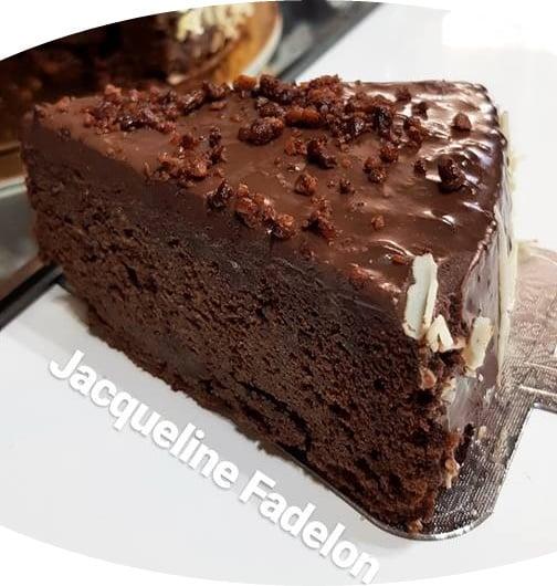 מתכון כתוב + סרטון להכנת עוגת שוקולד עסיסית במיוחד_מתכון של  זקלין פדלון