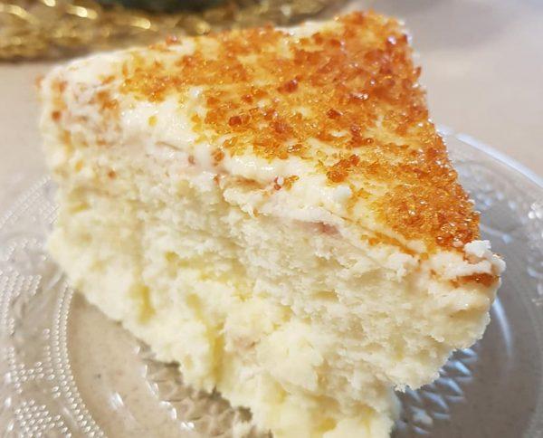 עוגת גבינה אפויה בציפוי קרם ברולה