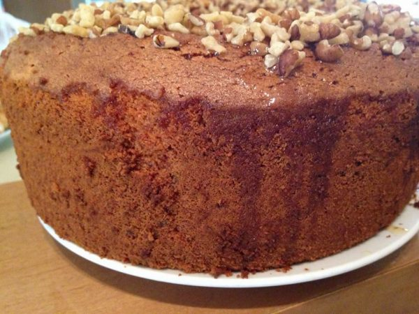 עוגת דבש ואגוזים_עופרה מרציאנו