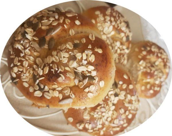 לחמניות מקמח כוסמין מלא ולחמניות מקמח ללחם