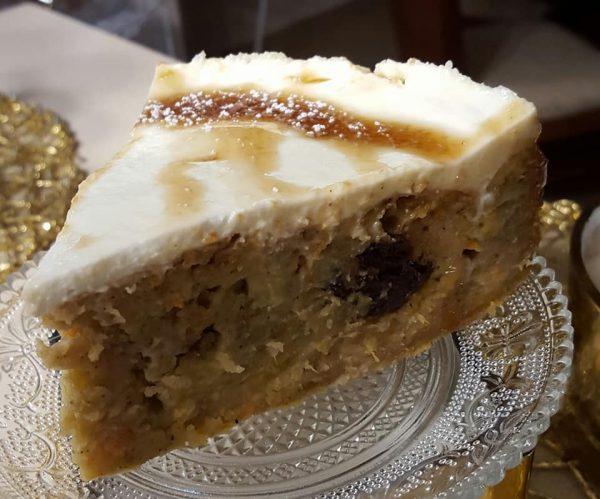 עוגת גזר , בננות , תפוז ומייפל ללא סוכר בציפוי שמנת חמוצה…..עוגה בערבוב אחד_מתכון של נורית יונה