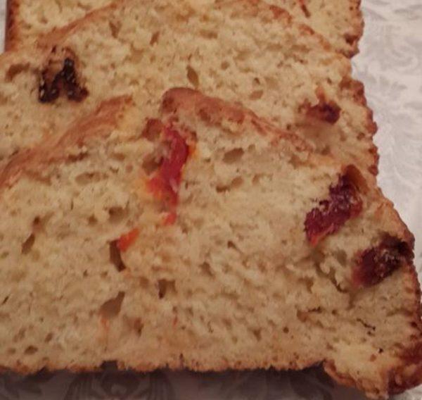 לחם ללא התפחה עם עגבניות מיובשות