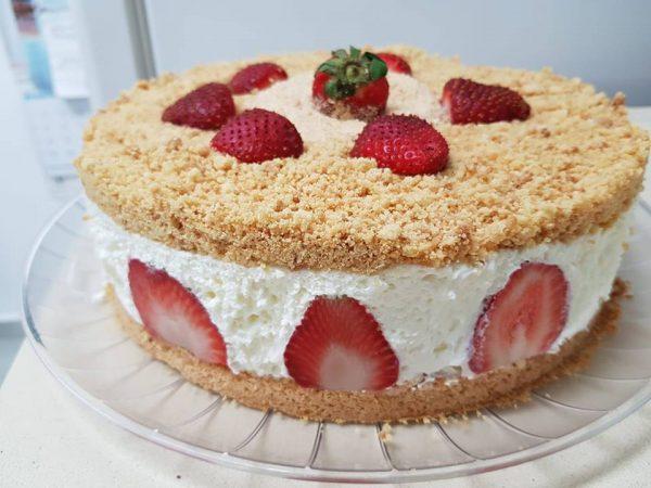 עוגת גבינה פירורים – מתכון של שרה יוסף