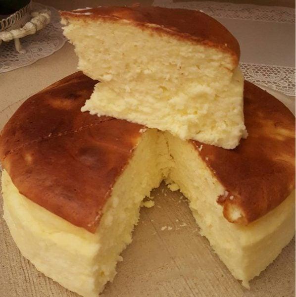 עוגת גבינה אפויה אוורירית נימוחה ללא תחתית