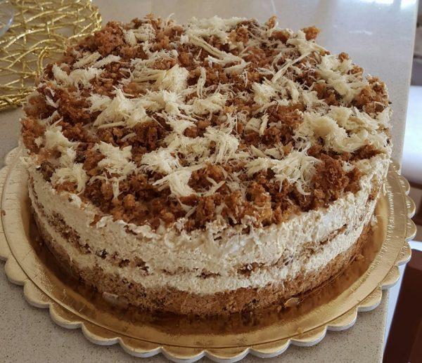 עוגת מוס חלבה סילאן וטחינה