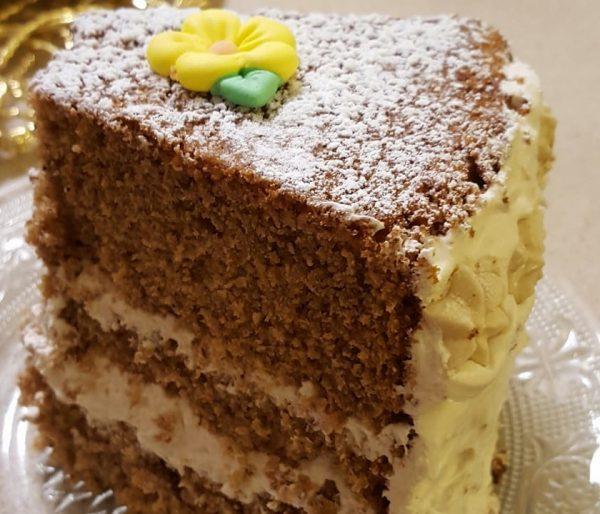 עוגת דבש מתובלת בקינמון ואניס