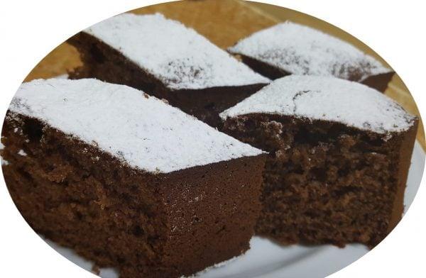 עוגת תמרים וסילאן