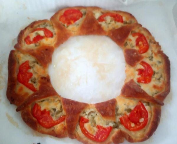 מאפה גבינות זיתים ועגבניה