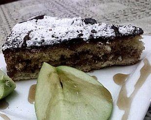 עוגת תפוחים עם שכבת בצק תפוחים וקצף