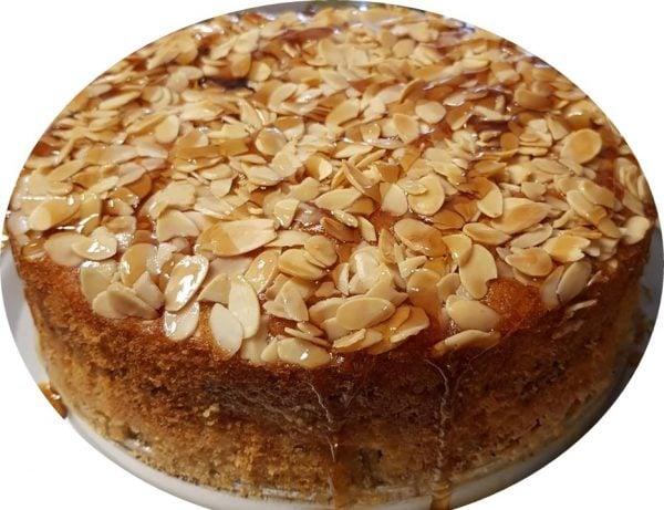 עוגת שכבות תפוחים מייפל ושקדים, נימוחה ועסיסית