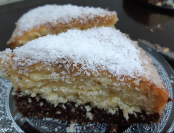עוגת קוקוס ושוקולד בזיגוג מייפל