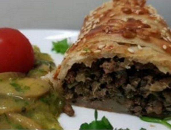 בורקס בשר ממלוואח ברוטב בצל ופטריות