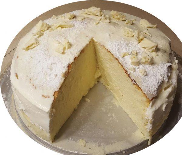 עוגת גבינה נימוחה אפויה בציפוי שמנת