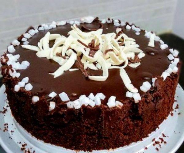 עוגת שוקולד ופרג בחושה