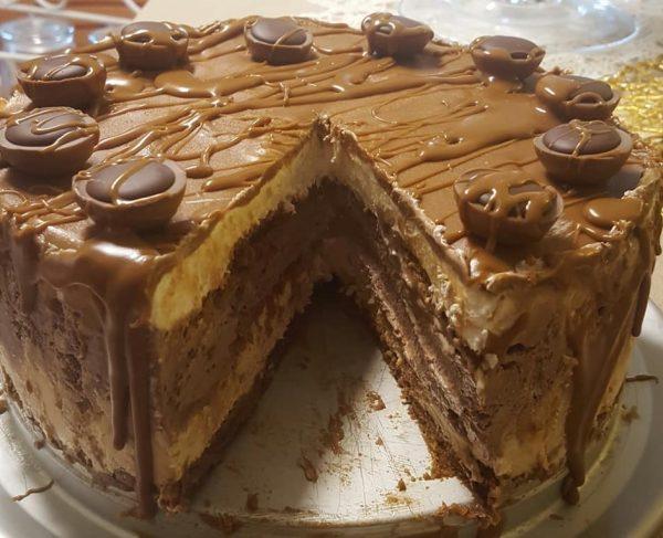 עוגת קרם גבינה , קרם לוטוס וקרם שוקולד
