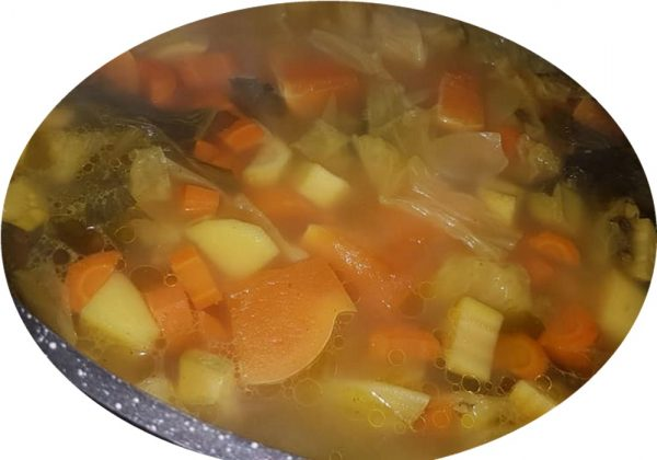 קוסקוס ומרק לקוסקוס עם ירקות