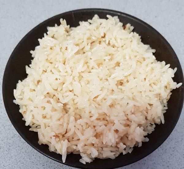 אורז עם בצל מטוגן