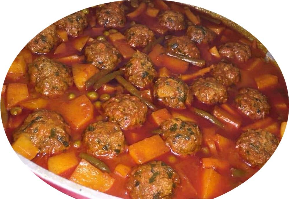 קציצות בשר עם לקט ירקות