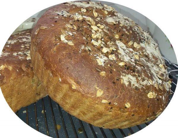 לחם מקמח שיפון וקמח מלא