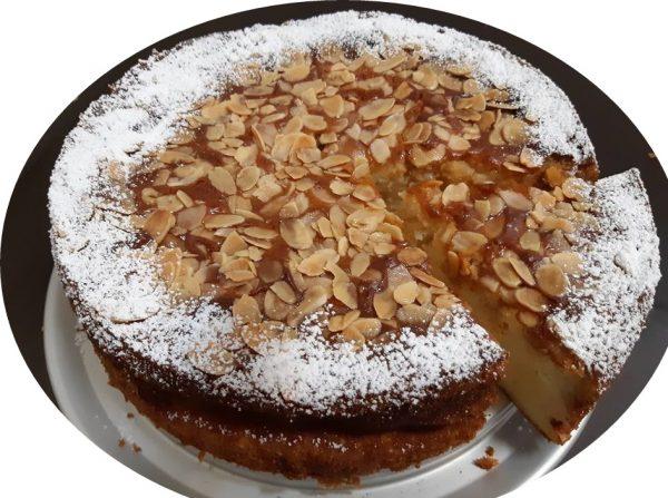 עוגת ריקוטה,שקדים,בזיגוג מייפל