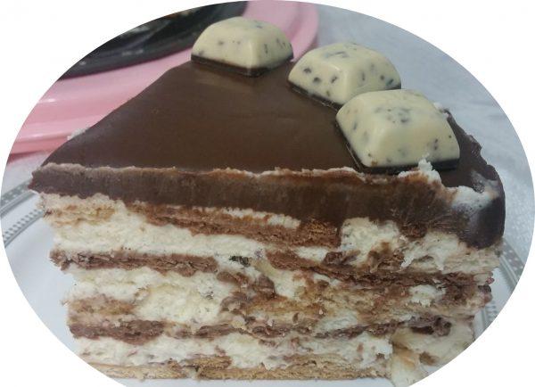 עוגת ביסקוויטים בשני צבעים