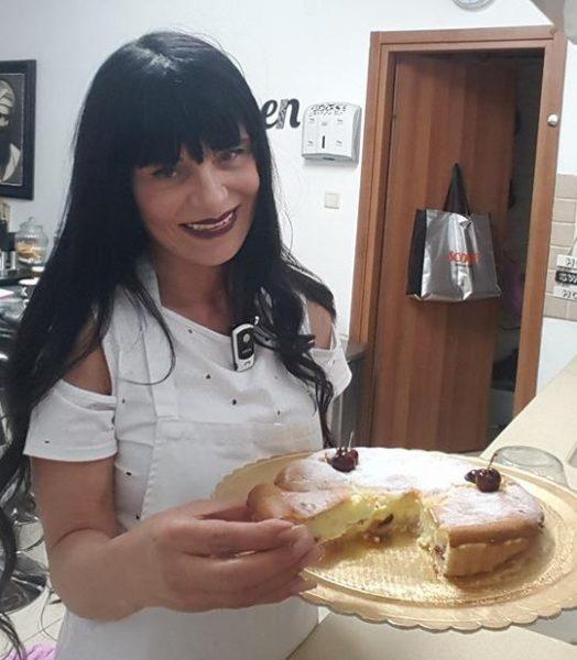 טארט גבינת עזים של פרומז' עם דובדבנים