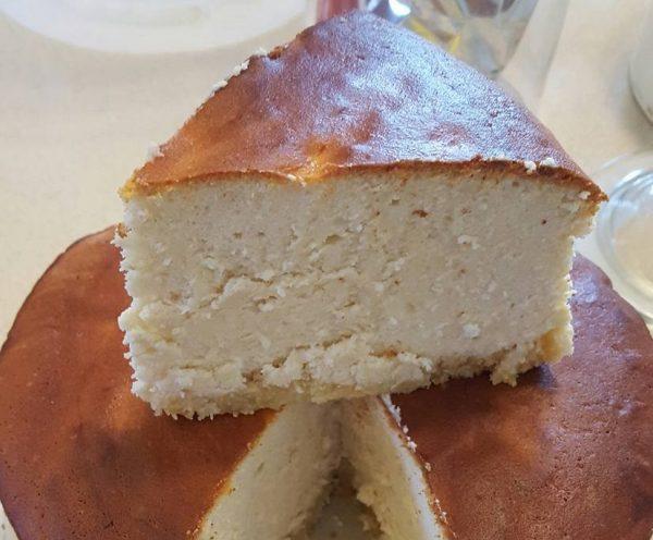 עוגת גבינה אפויה עם תחתית פתי בר