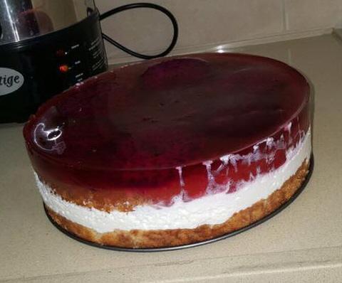 עוגת טורט קצפת ג׳ילי ופטאיה