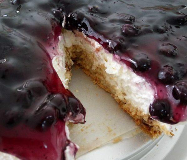 עוגת גבינה פירורים או אוכמניות_מתכון של שרה יוסף