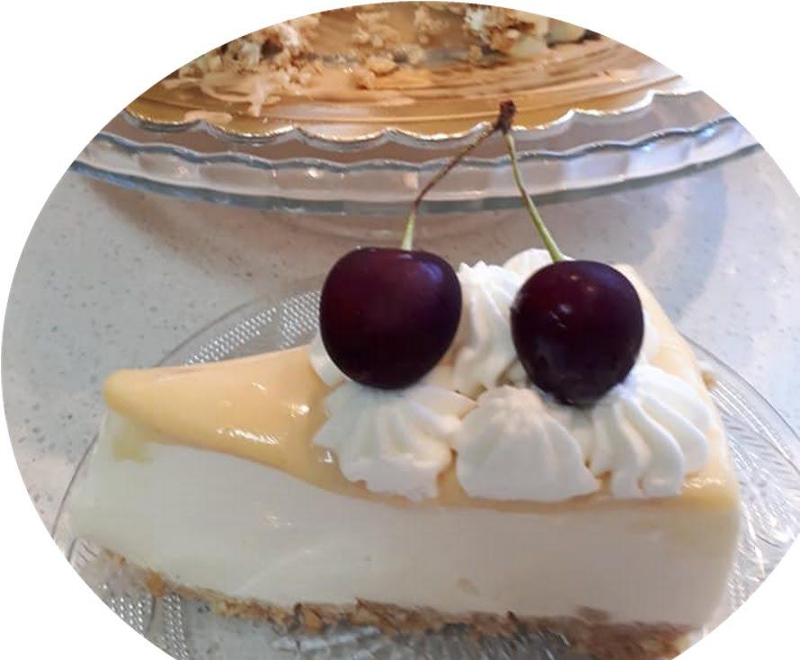 עוגת מוס גבינה מחית מנגו