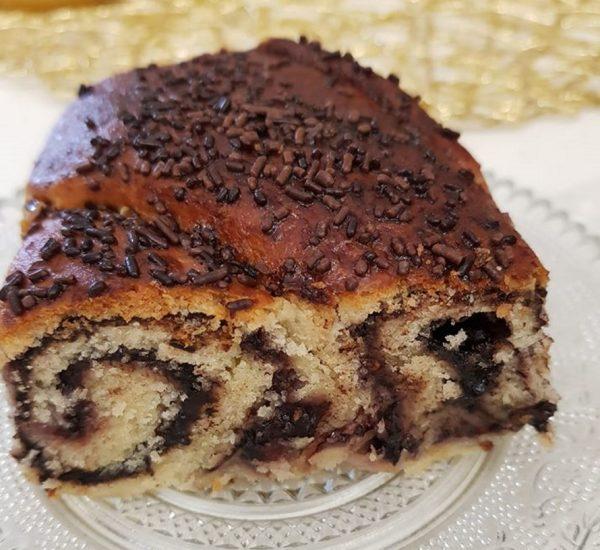 עוגת שמרים במילוי ריבת תות וקקאו, תנסו זה מושלם_נורית יונה
