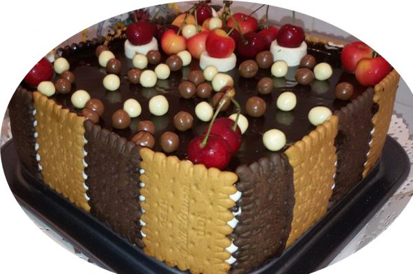 עוגת ביסקוטים עם גבינה ושמנת מהממת