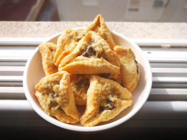 אוזני המן מלוחות במילוי גבינות ופטריות