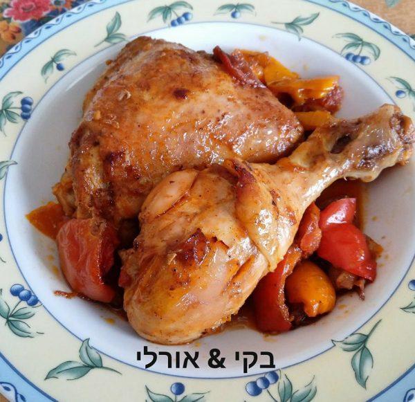 כרעי עוף טעימים ועסיסיים עם ירקות
