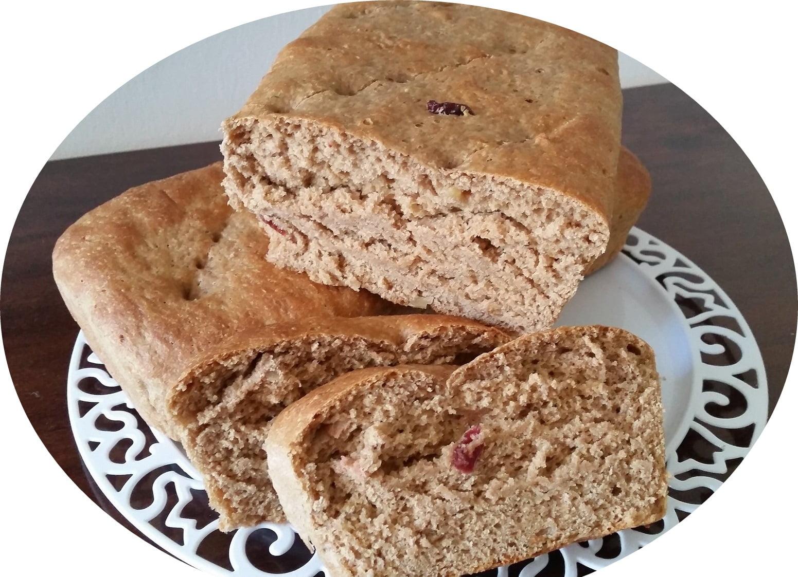 לחם כוסמין, אגוזים וחמוציות