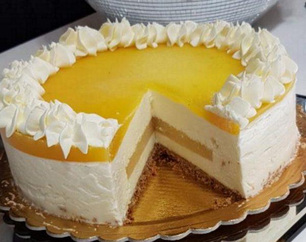 מוס גבינה במילוי וציפוי אננס