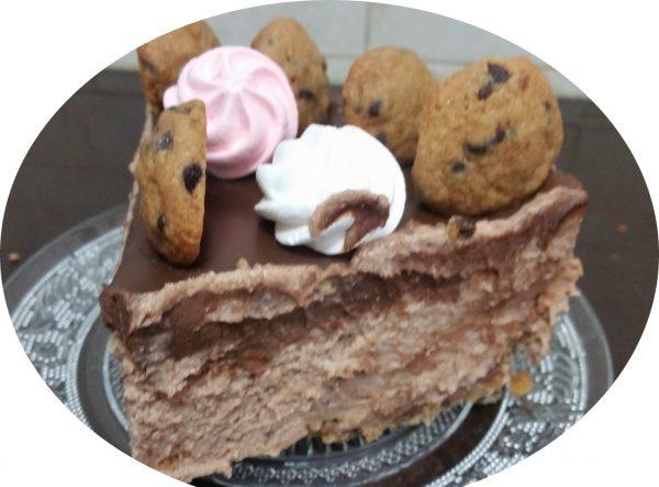 מוס מרשמלו ועוגיות שוקולד ציפס על בסיס בצק שוקולד ציפס