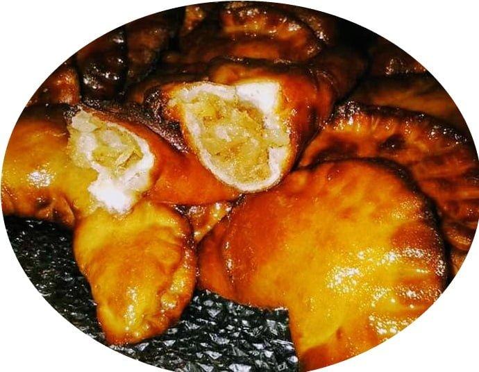 סהרונים במילוי תפוחי עץ קינמון ודבש