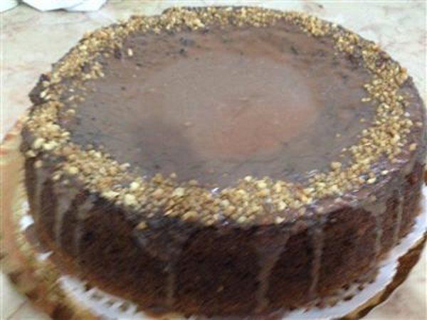 עוגה בטעם קפה נמס ואגוזים