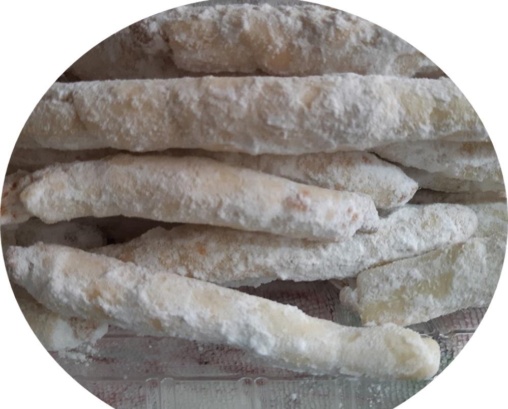 עוגיות במילוי שקדים,אגוזי מלך וקוקוס בציפוי לוטוס/שוקולד מריר