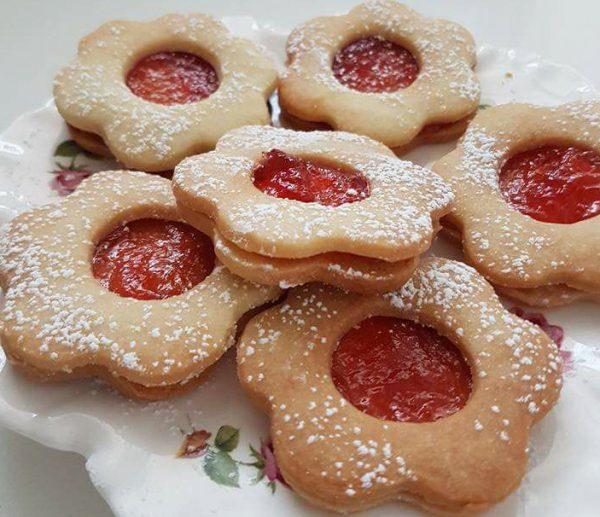 עוגיות כריך עם ריבה