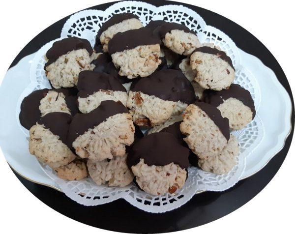 עוגיות פקאן בציפוי שוקולד