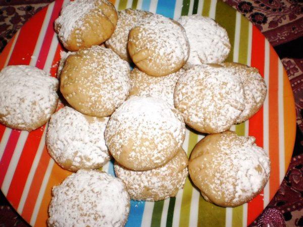 עוגיות שקדים נימוחות, עדינות ונמסות הפה