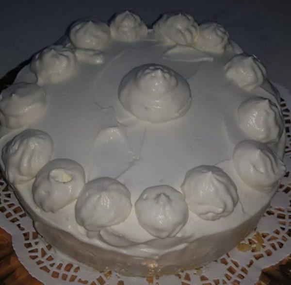עוגת גבינה אפויה קלה והכי חשוב לא מאכזבת