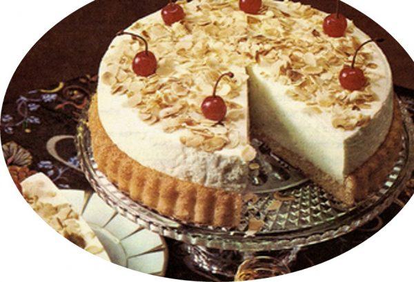 עוגת גבינה בקצפת עם שקדים