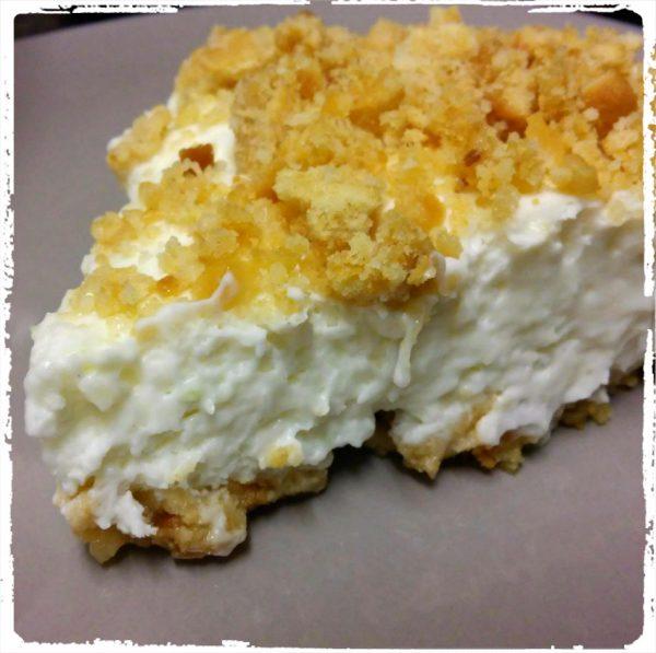 עוגת גבינה ופירורי ביסקוויטים ללא אפייה