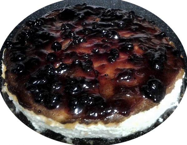 עוגת גבינה וריבת אוכמניות