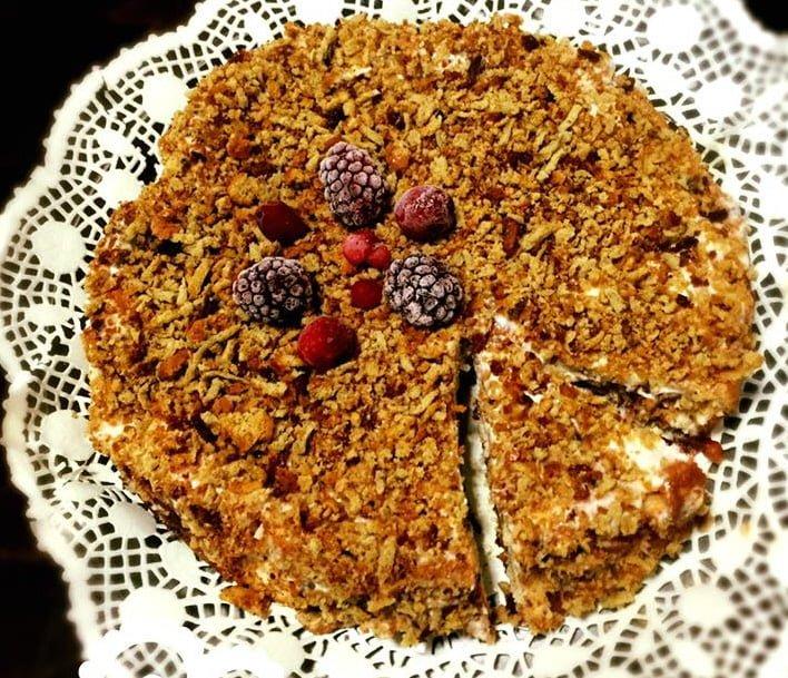 עוגת גבינה עם פירורים אפויה מדהימה