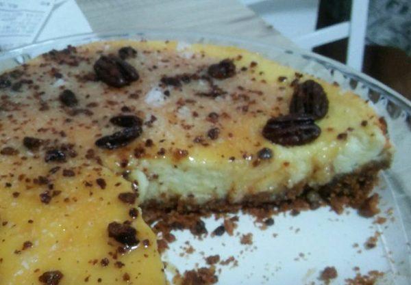 עוגת גבינה עם פקאן מסוכר